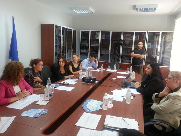 Komisionerja për Mbrojtjen nga Diskriminimi znj Irma Baraku zhvilloi sot një takim informues me gazetarët