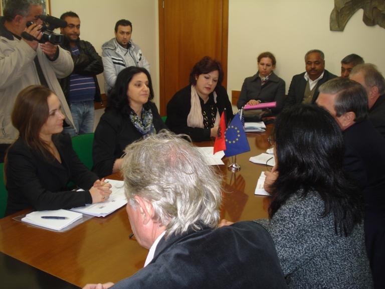 """Nis fushata për Mbrojtje nga Diskriminimi, iniciuar nga Komisioneri për Mbrojtje nga Diskriminimi, Bashkia Gjirokastër, projekti i OSBE/ODIHR: """"Praktikat më të Mira për Integrimin e Romëve"""""""