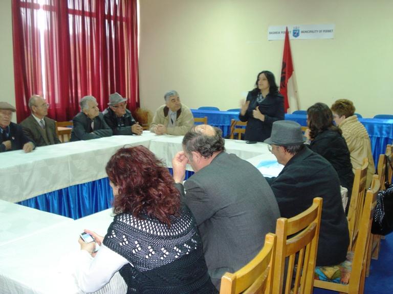 Takime të Komisionerit për Mbrojtjen nga Diskriminimi, me përfaqësues vendorë dhe komunitetin e Bashkive Sarandë dhe Përmet .